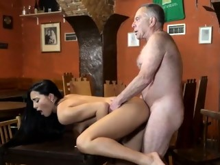 brunette sextube red
